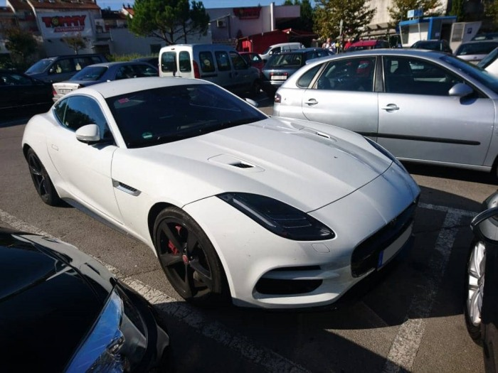 F-Type R Coupe